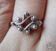 Nowele Domowe : Warmet - powiew wspomnień z dzieciństwa. Wedding Rings, Polish, Engagement Rings, Vintage, Jewelry, Enagement Rings, Vitreous Enamel, Jewlery, Bijoux
