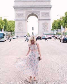 """lateafternoon op Instagram: """"Running on 2 hours of sleep but we're in Paris and sleep can wait. #paris #ootd"""" • Instagram"""