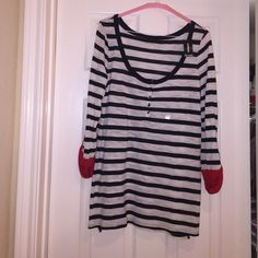 NWT EXPRESS black and white striped tunic top Size medium black and white brand new never worn tunic top. This beauty can be paired with leggings or your favorite skinny jeans Express Tops Tunics