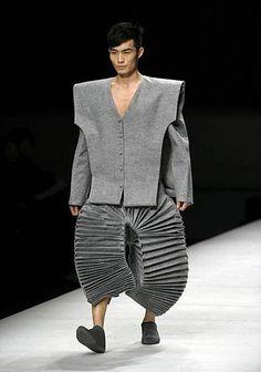 La pasarela de los horrores: los looks más chungos que han salido de las mentes de los diseñadores | República Insólita