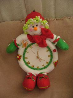 reloj nieve Christmas Clock, Christmas Cookies, Christmas Crafts, Christmas Decorations, Christmas Ornaments, Holiday Decor, Dora The Explorer, Snowman, Santa