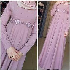 1,867 отметок «Нравится», 134 комментариев — Для сестер, с любовью❤ (@asiya_salyafi) в Instagram: «И таак! Платье в единственном экземпляре Размер _ 42(российский) На обхват груди 84_88 Ткань…»