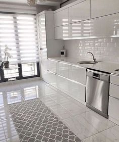Белоснежная кухня Kitchen Room Design, Kitchen Cabinet Colors, Modern Kitchen Design, Home Decor Kitchen, Interior Design Kitchen, Modern Interior, Modern Kitchens, Contemporary Kitchens, Modern Contemporary