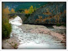 Puente romano, Valle de Hecho, Huesca, España