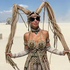 Spend a Week in the Black Rock Desert: A Look at What Really Goes on at Burning Man Festival – Popular Everything Moda Burning Man, Burning Man Mode, Burning Man Style, Burning Man Art, Burning Man Fashion, Burning Man Outfits, Burning Man Costumes, Festival Outfits, Festival Fashion