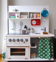 How do you like this gorgeous #diy #play #kitchen?