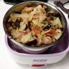 This was the first dish I made (a week ago) using the 'Sota' Electric Lunch Box my mom bought over Christmas last year. Yup, no one bothered to use it until now. With limited lunch options at my wo...