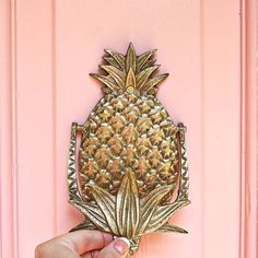 Happy Friday! What are your plans for the weekend? P.S We love this pineapple door knocker! . . . #pineapple #fruit #natural #organic #wellbeing #wellness #health #fitness #healthfitness #beauty #naturalbeauty #organicbeauty #vegetables #lifestyle #food #recipes #photography #organicliving #makeup #gold #rosegold #glamour #glam #luxury
