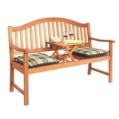 """Die Sitzbank """"Spittal"""" aus dem Hause AMBIA ist etwas ganz Besonderes. Diese Bank aus massivem Eukalyptusholz präsentiert sich formschön in der natürlichen Farbe des Holzes."""