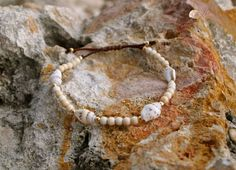 Sea Shell bracelet on silk with beige gemstones