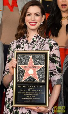 Anne Hathaway Photos - Anne Hathaway poses for portrait at her Star Ceremony On The Hollywood Walk Of Fame on May 2019 in Hollywood, California. - Anne Hathaway Honored With Star On The Hollywood Walk Of Fame Hollywood Walk Of Fame, Hollywood Actor, Dee Rees, New Movies In Theaters, Anne Hathaway Photos, Rebel Wilson, Modern Love, Chris Pine, Looking Stunning