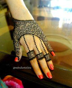 30 Unique Mehndi Designs For Hands - Art & Craft Ideas Modern Mehndi Designs, Mehndi Designs For Girls, Mehndi Design Pictures, Mehndi Designs For Fingers, Beautiful Henna Designs, Henna Tattoo Designs, Mehndi Images, Henna Tattoos, Tattoo Ideas