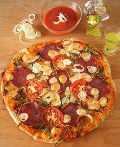 A tökéletes pizzatészta, és ami a pizzán túl lehet belőle Pizza Recipes, Cooking Recipes, Taco Pizza, Hungarian Recipes, Garlic Bread, Canapes, Winter Food, Pepperoni, Vegetable Pizza