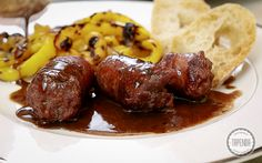 White sausage in red wine White Sausage, Kielbasa, Red Wine, Food And Drink, Beef, Kitty, Youtube, Italian Recipes, Strong