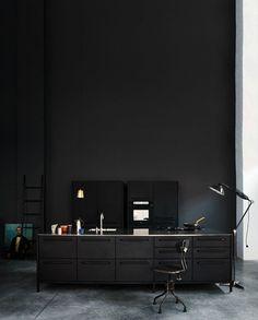 Metallurgy Interior Desing, Interior Architecture, Interior And Exterior, Black Furniture, Design Furniture, Dark Interiors, Office Interiors, Minimalist Bedroom, Minimalist Decor