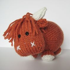 Mac the Highland Bull knitting pattern by Amanda Berry