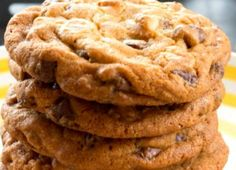 Recette : Biscuits au pouding et pépites de chocolat Beignets, Macarons, Cookies, Brownies, Muffins, Food And Drink, Blues, Desserts To Make, Kitchens