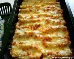Cannelloni with minced meat - jedzenie - Makaron My Favorite Food, Favorite Recipes, Baked Cheese, Bolognese Sauce, Meat Sauce, Italian Dishes, Buffet, Food And Drink, Cooking Recipes