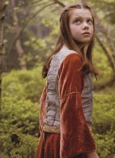 Georgie Henley as Lucy Pevensie in Narnia Lucy Pevensie, Susan Pevensie, Peter Pevensie, Georgie Henley, Narnia Lucy, Aslan Narnia, Narnia Costumes, Narnia Prince Caspian, Book Week Costume