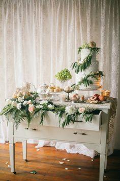 Shabby chic wedding cake display | Jenny Sun Photography | see more on: http://burnettsboards.com/2014/10/rustic-elegance/