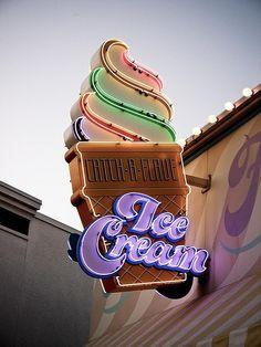 I <heart>...Neon and ice cream.