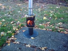 Who says you can't make your own heater out of mini-kegs? Well, nothing is impossible in the world of survivalists even a mini-keg can turn into a heater. Tabletop Patio Heater, Diy Wood Stove, Wood Pellet Stoves, Rocket Mass Heater, Fire Pit Bbq, Building A Patio, Shelter Tent, Beer Keg, Aluminum Cans