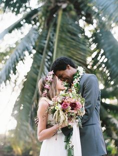 Say yes to Hawaii! http://www.stylemepretty.com/destination-weddings/hawaii-weddings/2016/05/19/this-hawaiian-wedding-is-what-destination-wedding-dreams-are-made-of/ Photography: Wendy Laurel - http://www.wendylaurel.com/