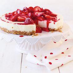 ESSEN & TRINKEN - Erdbeer-Frischkäse-Torte Rezept