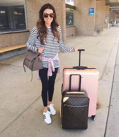 Hello Fashion | Striped longsleeve+black leggins+white sneakers+pink sweater+taupe handbag. Spring travel outfit 2016