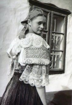 Historical Clothing, Historical Photos, Folk Costume, Costumes, Heart Of Europe, My Heritage, Fashion History, Traditional Dresses, Folklore
