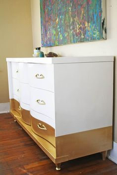 Gold Dipped Dresser- I would do another color on the top half of this dresser... But what a fab idea 😍 Chalk Paint Furniture, Old Furniture, Furniture Projects, Furniture Makeover, Home Projects, Solid Wood Dresser, Silver Dresser, Pine Dresser, Metallic Gold Paint