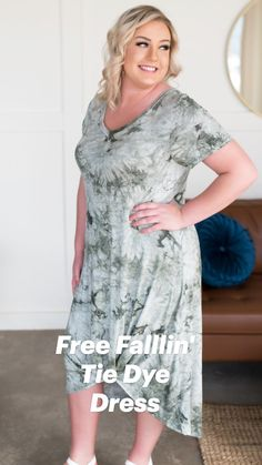 Short Wavy Hair, Short Hair Styles, Curvy Fashion, Plus Size Fashion, Tie Dye Dress, Summer Dresses For Women, Cool Style, Party Dress, Casual Outfits