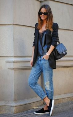 chanel-bag-zina-charkoplia-fashionvibe-rayban-sunglasses-boyfriend-jeans-leather-lace-top-zara1