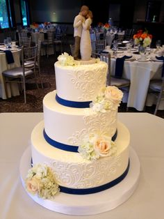 3 tier buttercream wedding cake designs with fresh flowers. Navy Blue Wedding Cakes, 3 Tier Wedding Cakes, Buttercream Wedding Cake, Wedding Cakes With Flowers, Elegant Wedding Cakes, Wedding Cake Designs, Wedding Cake Toppers, Trendy Wedding, Scroll Wedding Cake