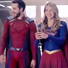 Supergirl Season, Supergirl Tv, Supergirl And Flash, Chris Wood, Kara And Mon El, Kara Danvers Supergirl, Melissa Marie Benoist, Cw Dc, Romanogers