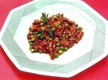 Receita de Picadinho de Filé Mignon - filé mignon, óleo de soja , alho, cebola, tomate, ervilha, farinha de trigo, sal, pimenta-do-reino preta