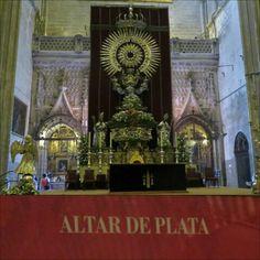 Altar de Plata es un monumento. Fue construido para celebraciones y mayor gloria de Sacramento.