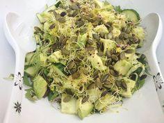 Katherine's Green Side Salad. Rocket, grated courgette, avocado, cucumber, pumpkin seeds, Good4U alfalfa & sango radish shoots, avocado oil and lemon juice. Simple, crunchy and full of goodness. #supersalads4u #superfoods Superfood Salad, Winter Salad, Side Salad, Avocado Oil, Summer Salads, Superfoods, Cucumber, Potato Salad, Competition