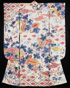 Kimura Uzan (1891~1977), 1937. This yuzen kimono is well known as one of Kimura Uzan's masterpieces. He developed his own novel twists on the traditional techniques of Kaga Yuzen, that had flourished in the Kaga fief toward the end of the Edo period (mid to late 19C). // Ishikawa Prefecture Museum of Art, Japan