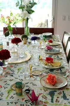 table setting de juliana lopez may Safe Haven, Rustic Flowers, Tablescapes, Table Settings, Layout, Indoor, Easy Recipes, Decor Ideas, Natural