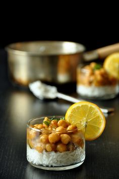Catering Food, Indian Catering, Catering Ideas, Comida India, Food Photography Tips, Indian Street Food, Fusion Food, Food Decoration, Food Plating