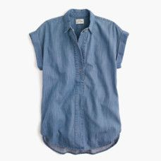 Short-sleeve popover shirt in chambray - Denim Shirt Dress - Ideas of Denim Shirt Dress - Short-sleeve popover shirt in chambray Short Sleeve Denim Shirt, Blue Short Sleeve Tops, Short Sleeve Dresses, Chambray Shirt Outfits, Chambray Top, Petite Tops, Summer Fashion Outfits, Women's Fashion, Mode Style
