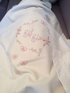 Kişiye özel siparişimiz. #medekids#handmade#nakış#newborn#elişi#elemeği#elnakışı#kişiyeözeltasarım#battaniye#babyblanket#mevlid#doğumhediyesi#bebekhediyesi#
