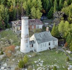 Poverty Island Lighthouse, Michigan at Lighthousefriends.com    Poverty Island is an island in Lake Michigan between St. Martin Island and Summer Island just south of the Upper Peninsula of Michigan. It is believed to be the location of a treasure of gold buillion and coins worth today around $400 million.