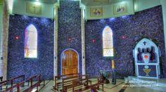 Ametista do Sul teve sua origem na década de 1940. A Igreja Matriz foi decorada com mais de 40 toneladas da pedra ametista e com enormes geodos. Seu interior traz pinturas lindíssimas com passagens bíblicas, transformando-a em uma verdadeira obra de arte.