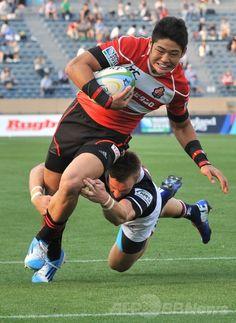 ラグビーHSBCアジア5か国対抗(HSBC Asian Five Nations 2014)、日本対香港。トライを狙う藤田慶和(Yoshikazu Fujita、2014年5月25日撮影)。(c)AFP/KAZUHIRO NOGI ▼26May2014AFP 日本がアジア5か国対抗7連覇、W杯出場決める http://www.afpbb.com/articles/-/3015860 #Asian_Five_Nations #Rugby #Japan_Hong_Kong