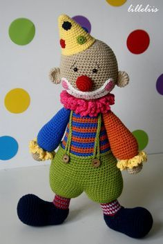 Chatterbox the Clown - amigurumi toy. There are a few free patterns, a bunny and frog in English.