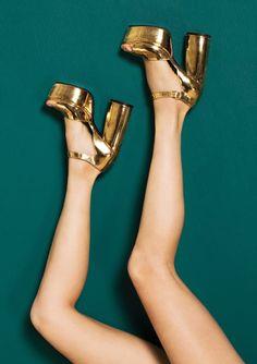 Sandales à plateformes dorées Tara Jarmon, Bad Timing, Me Too Shoes, Shoes Heels, Emerald City, Metallic Gold, Roses, Style, Clothes