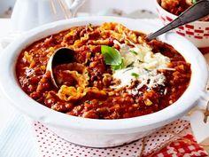 Unser beliebtes Rezept für Lasagne-Suppe mit Salsiccia und Hack und mehr als 55.000 weitere kostenlose Rezepte auf LECKER.de.