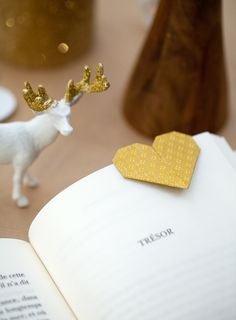 Bookmark - Origami - White and Gold Christmas